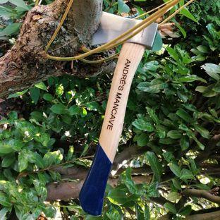 Stoere houten (hak)bijl met tekst cadeau geven