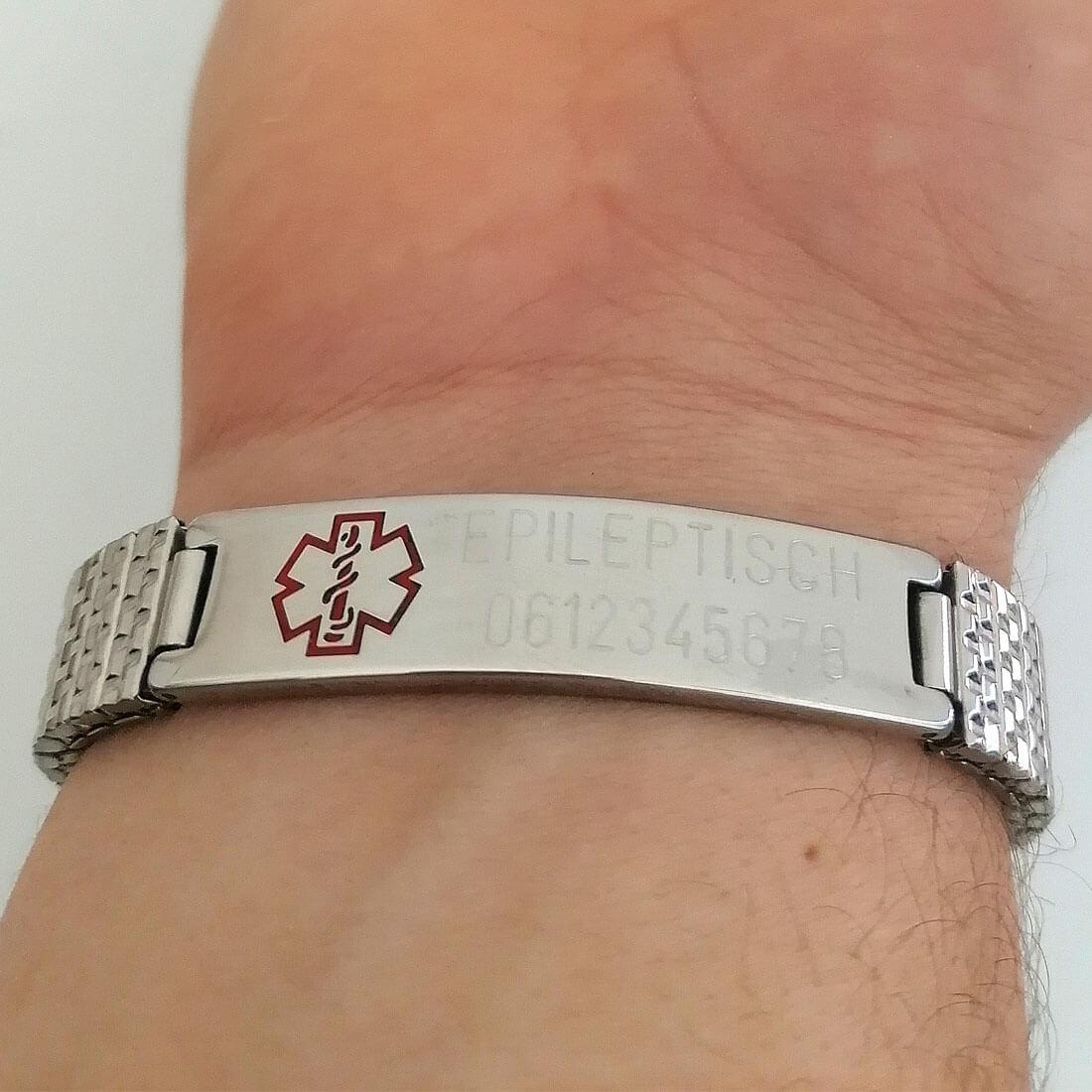 Altijd je medische gegevens bij de hand, dus om je pols met deze medische armband