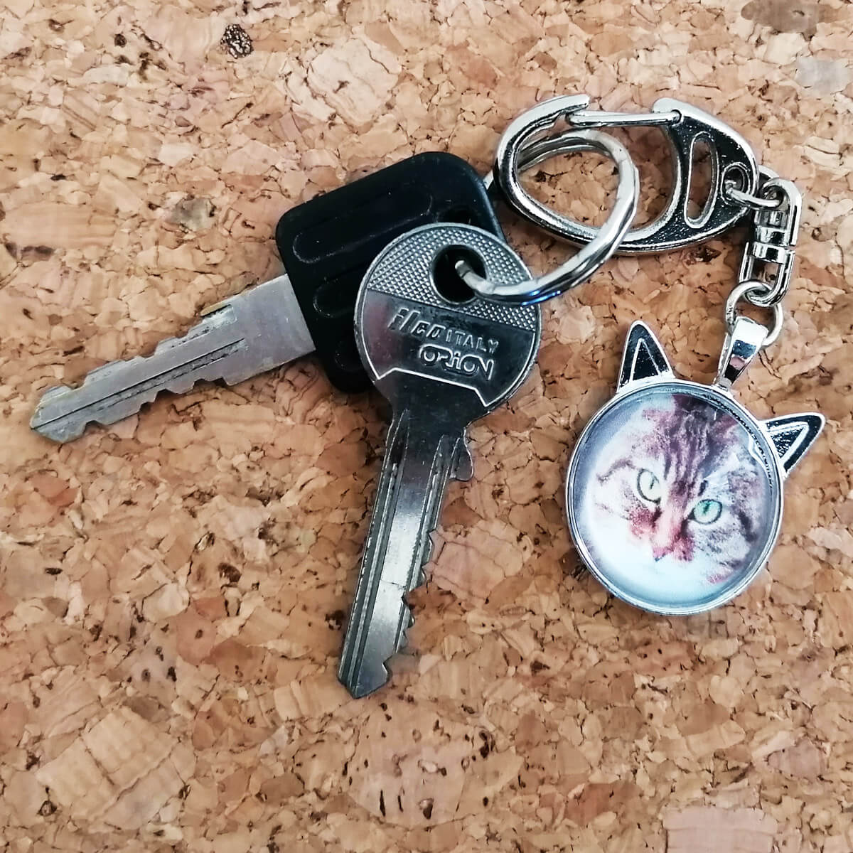 Cadeau voor de poezen katten liefhebber: sleutelhanger met eigen poezen foto