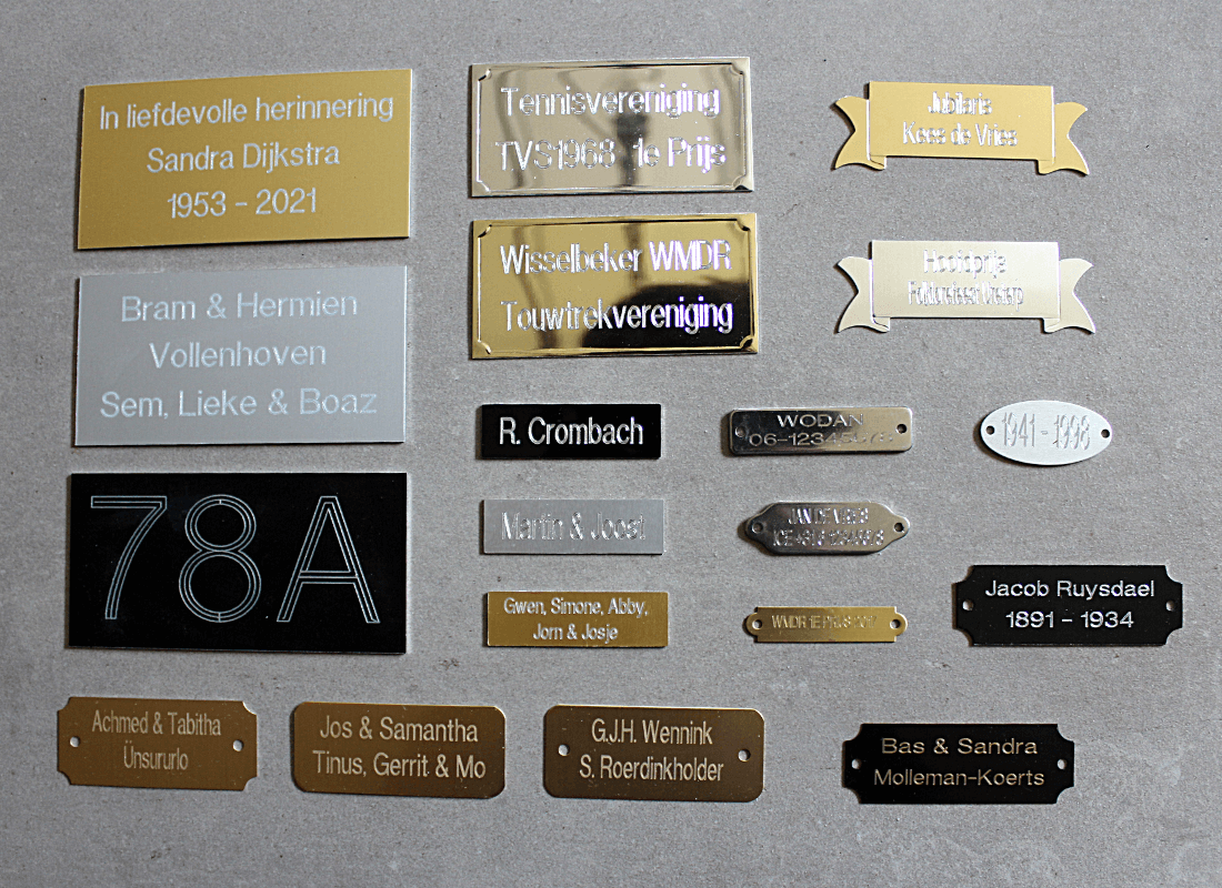 19 modellen kleine tekst en naamplaatjes