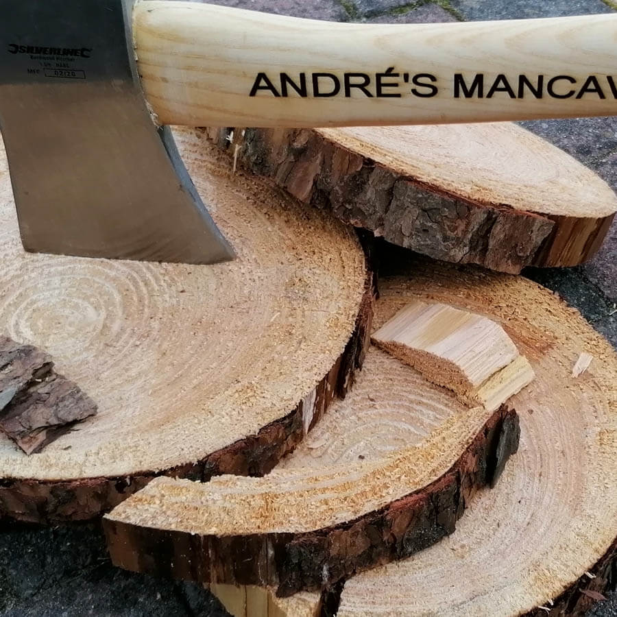 Hakbijl met Hickory houten steel of schacht met naam graveren