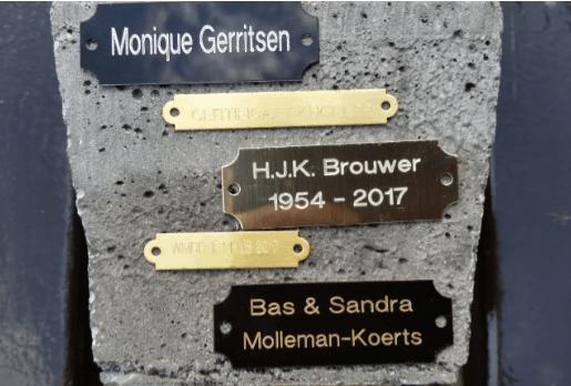 Metalen deurnaamplaatje / schilderij plaatje / sportprijs graveerplaatje / ornament tekstplaatjes