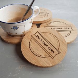 Schoteltje cadeau geven (gemaakt met houtstructuur)